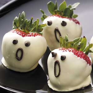 Chocolate Covered Ghost Strawberries: A Hauntingly Delicious Treat!