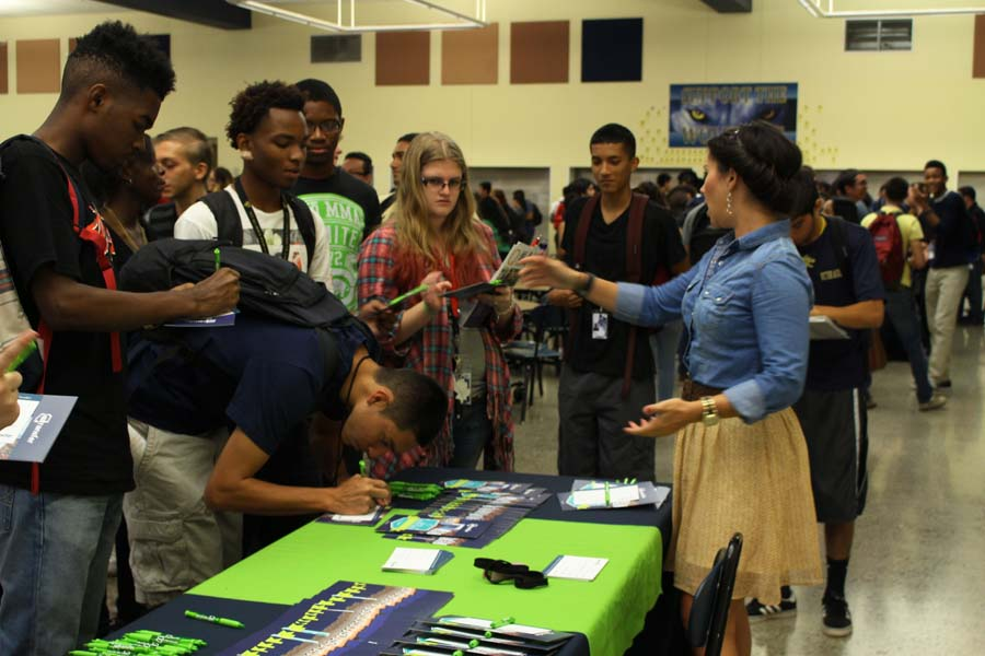 Seniors+interested+in+transferring+credits+to+NAU%2C+ASU%2C+or+UofA+filled+out+forms+to+receive+more+information+and+conversed+with+a+representative.