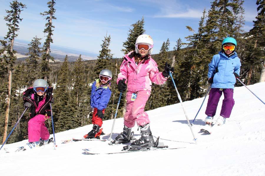 %22SKIWee%22+members+enjoying+the+slopes.