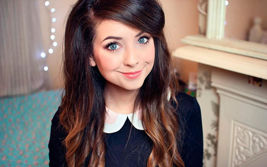 Popular+Youtuber+Zoe+Sugg%2C+better+known+online+as+Zoella.