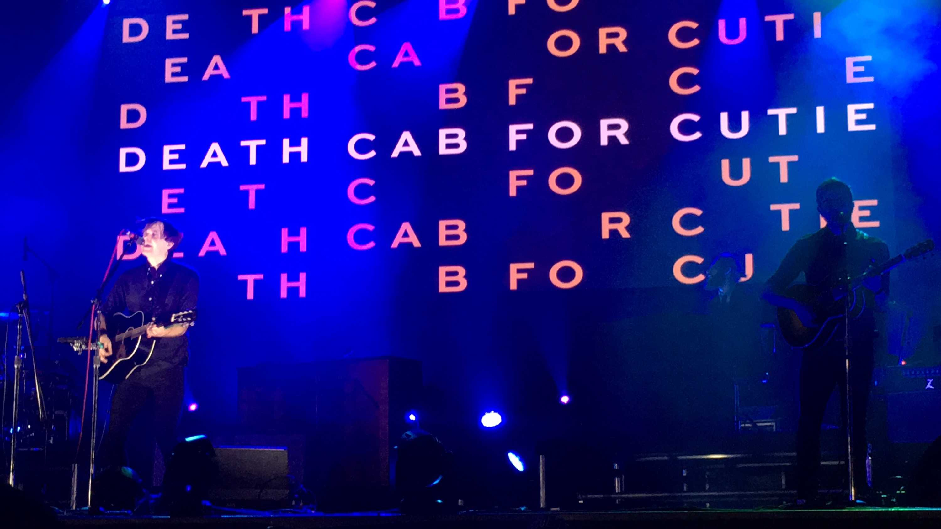 Death+Cab+For+Cutie+at+the+start+of+their+headline