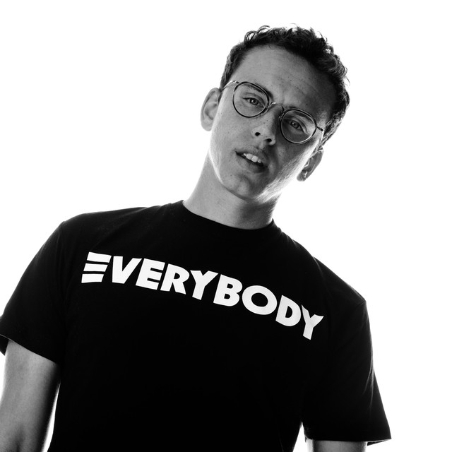 Logic+repping+his+Everybody+merchandise+