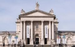 6-year-old Thrown Off London Tate Art Gallery